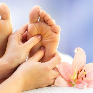 photo pieds massage réflexologie plantaire